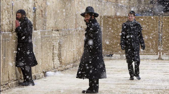 Śnieg zamknął drogi Jerozolimy. Po raz pierwszy od czterech lat