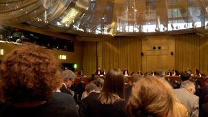 Środowiska prawnicze i opozycja krytykują ustawę PiS