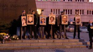 Śledztwo w sprawie zdjęć polityków na szubienicach trwa już ponad 1,5 roku. Prokuratura planuje kolejne przesłuchania