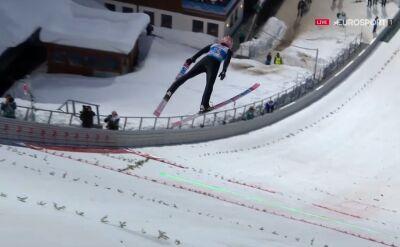 Skok Dawida Kubackiego z kwalifikacji do konkursu na skoczni normalnej