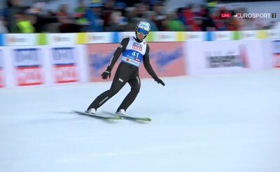 Skok Stefana Huli z kwalifikacji do konkursu na skoczni normalnej