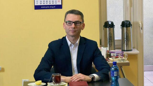 Głosował, choć nie powinien. Kancelaria Sejmu: głos nie był decydujący, ani przeważający