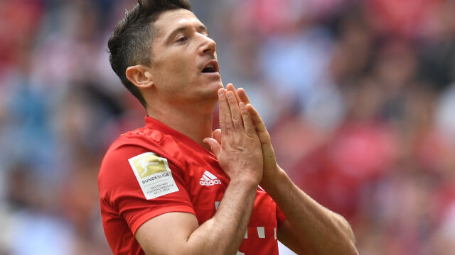 """Lewandowski wierzy, że Bayern podpisze umowy z """"jeszcze lepszymi następcami"""""""