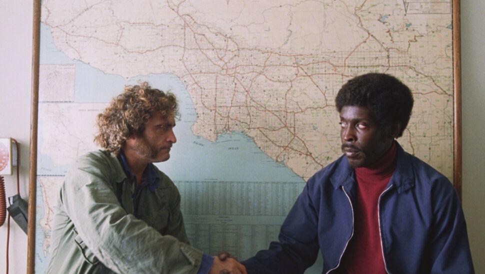 Joaquin Phoenix i Michael K. Williams