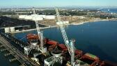 Aktywiści Greenpeace wspięli się na portowe dźwigi