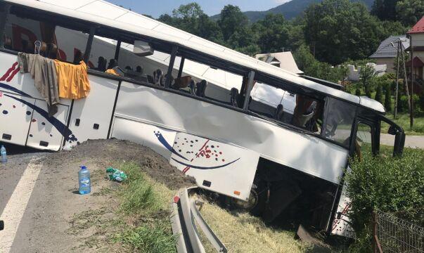 Autobusem podróżowało 46 osób i kierowca