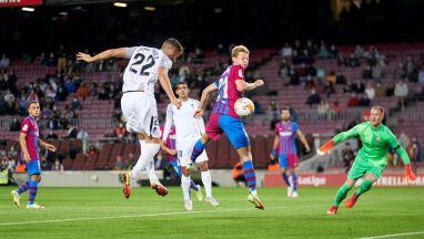 Najszybciej stracony od 16 lat gol na Camp Nou. Barcelonę uratował obrońca