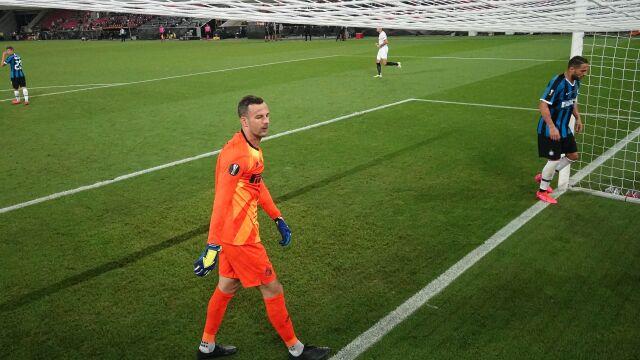 """Koronawirus dopadł piłkarzy lidera Serie A. """"Natychmiastowe zawieszenie działań"""""""