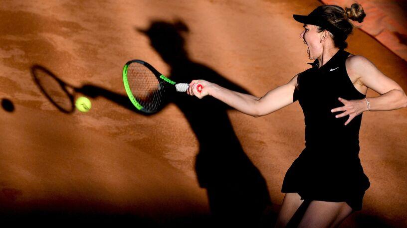 Niepokojąca kontuzja i krecz Simony Halep przed French Open