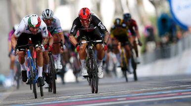 Dramatyczna końcówka 5. etapu Giro d'Italia. Jeden z faworytów już poza wyścigiem
