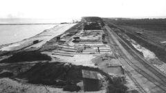 Do budowy portu również wykorzystywano kolej