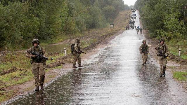 Brytyjscy żołnierze pojadą na Ukrainę. Cameron: jeśli nie sprzeciwimy się Rosji, będą następni