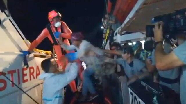 Włoski sąd zgadza się na wpuszczenie statku z migrantami, Matteo Salvini protestuje
