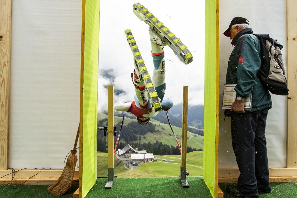 Mistrzostwa świata w grasski, czyli zjeździe po trawie na specjalnych nartorolkach