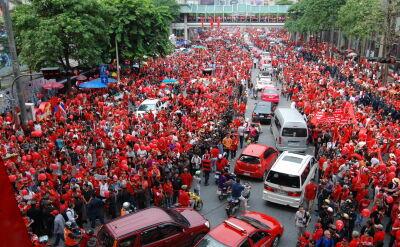 """""""Czerwone koszule"""" okupowały centrum Bangkoku wiosną 2010 roku"""