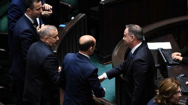 Uściski dłoni i podziękowania. Prezydent gratulował zasiadającym w Sejmie