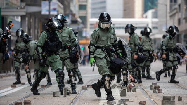 Nowy szef policji w Hongkongu jedzie do Pekinu.