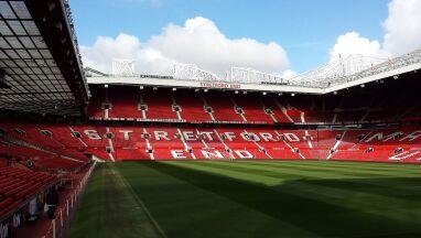 Manchester United chce być fair. Pracownicy z pełnym wynagrodzeniem