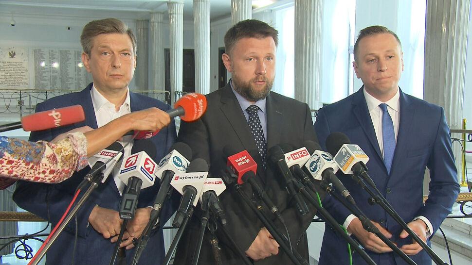 """Będzie informacja o """"drugich pensjach"""" w rządzie PiS. Posłowie PO weszli do kancelarii premiera"""