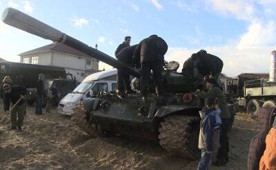 """Radziecki czołg gra dla WOŚP. """"Fundujemy przejażdżkę aż do zmroku"""""""