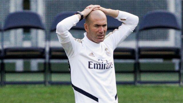 """Morze problemów Zidane'a w Realu. """"Przegrane mecze, rozczarowujące transfery, kontuzje"""""""