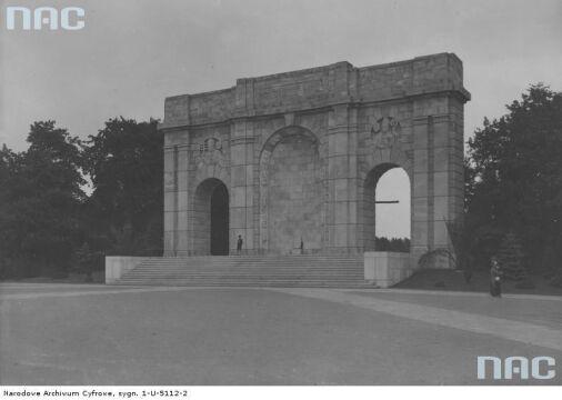 Pomnik Wdzięczności bez rzeźby Jezusa w 1939r.