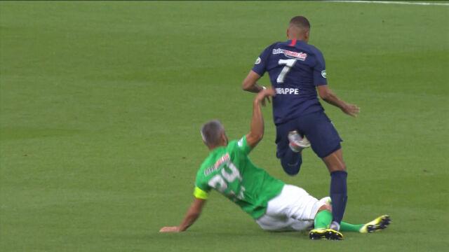 Mbappe brutalnie sfaulowany w finale Pucharu Francji