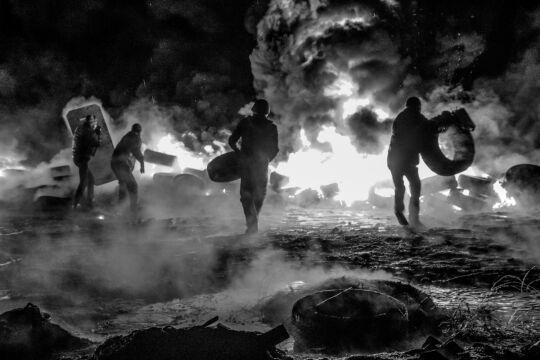 """Fotoreportaż - I miejsce w kategorii WYDARZENIA, Simona Supino, """"Super Express"""". Kijów, Majdan styczeń-luty 2014"""