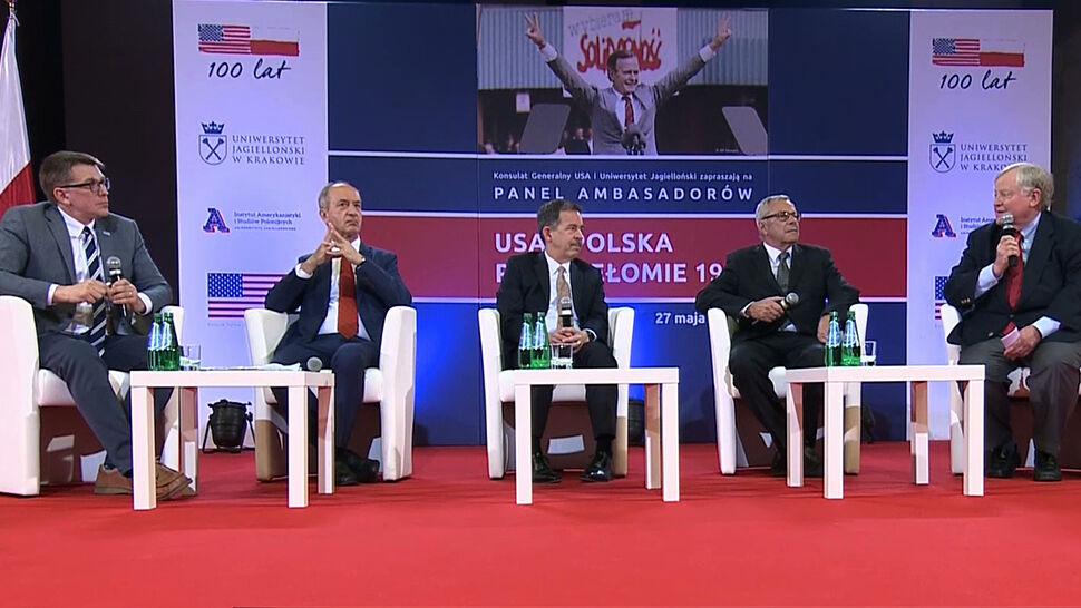 """""""USA i Polska po przełomie 1989"""". Panel ambasadorów"""