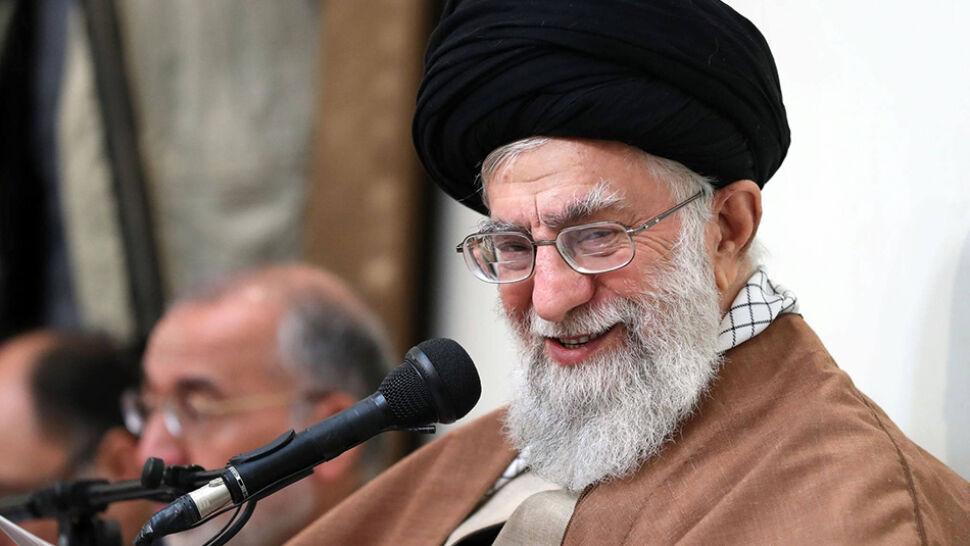 Chamenei: Iran nie będzie rozmawiał z USA
