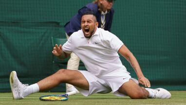Krytyka kortów Wimbledonu.