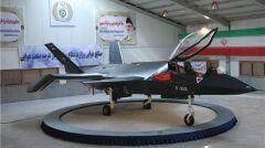 """Irański """"myśliwiec stealth"""" Qaher 313, czyli makieta z plastiku i włókna szklanego. Od prezentacji minęły ponad trzy lata, ale więcej o nim nie słyszano"""