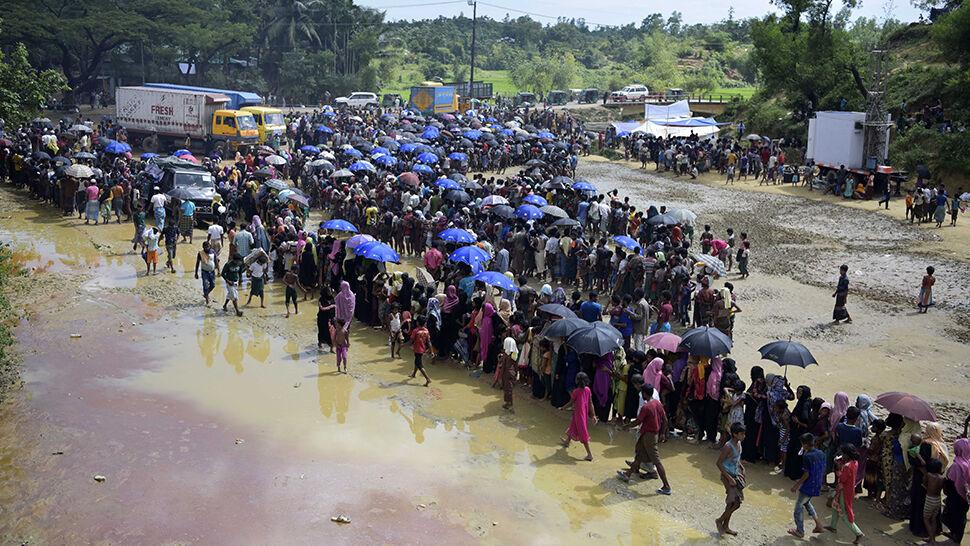 """""""Nie chcemy wiecznie mieszkać w obozach"""". Rohindżowie domagają się praw"""