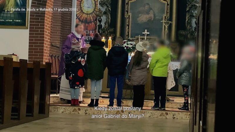 """Po filmie Sekielskich ksiądz złożył """"prośbę o przeniesienie do stanu świeckiego"""""""
