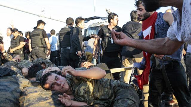 Kolejna fala czystek. 15 tys. urzędników, wojskowych i policjantów bez pracy