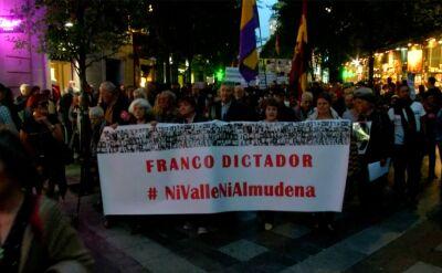 Protest przeciwko przeniesieniu zwłok generała Franco do madryckiej katedry Almudeny