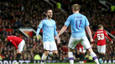 Popisowa połowa Manchesteru City w derbach. Jest już jedną nogą w finale Pucharu Ligi