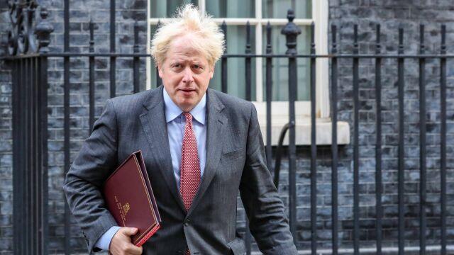 Brytyjczycy pokazują czerwoną kartkę Superlidze. Do gry wkracza Boris Johnson
