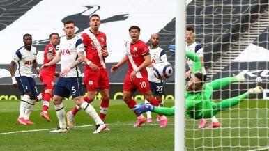 Tottenham już wygrywa  bez Mourinho. Pokonał zespół Jana Bednarka