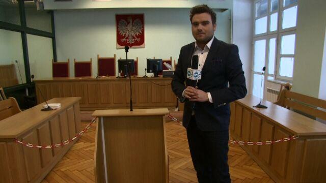 Reporter Robert Jałocha z sali rozpraw
