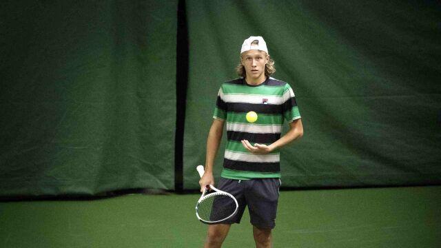Syn legendy Wimbledonu powoli wychodzi z cienia ojca. Debiut na londyńskiej trawie