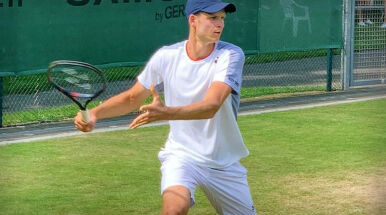 Polacy poznali rywali w Wimbledonie. Trudne zadania dla Hurkacza i Majchrzaka