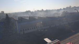 Ponad 160 strażaków w akcji. Płonęła hala