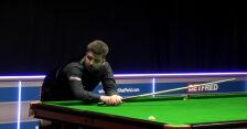 Clarke awansował do 2. rundy kwalifikacji do MŚ w snookerze