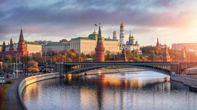 Spór o szczepienia i rola rosyjskich trolli.
