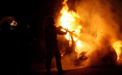 Aresztowania i interwencje straży pożarnej. Protesty w Katalonii