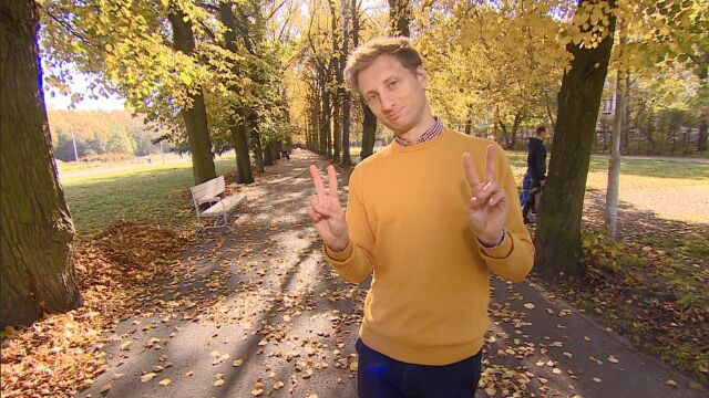 W żółtym sweterku do Sejmu.