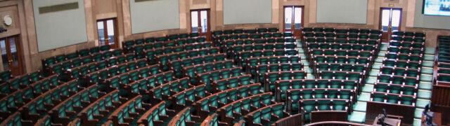 """Terroryzm, Amber Gold, """"demoralizacja dzieci"""". Wraca Sejm w starym składzie"""