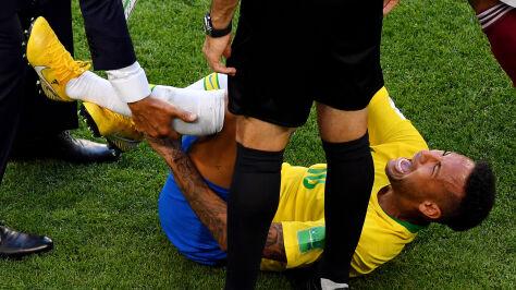 Neymar wytłumaczył, dlaczego się wywraca