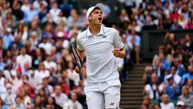Olbrzymi sukces Hurkacza. Wyeliminował Federera, jest w półfinale Wimbledonu